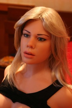 RealDoll Emanuelle Deluxe - Image 10